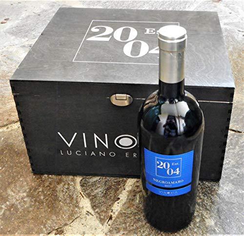 6 Flaschern Est. 2004 Negroamaro IGT 2017 in Original-Holzkiste von Vinosia - Apulien, trockener...